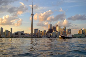 1024px-Skyline_of_Toronto_viewed_from_Harbour