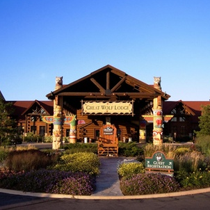 """great wolf lodge weekend essay Great wolf lodge was founded in 1997 in wi dells, wiit is a unique family entertainment place, with more than 5,000 pack members focus each and every day on """"creating family traditions, one family at a time,"""" providing their guests with first-in-class, customized guest service that sets great wolf resorts apart from its competition."""